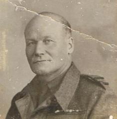 Major Edward Lindsey Emptage Company Commander 25 th Signals (36th GPO) East Kent Home Guard circa 1943.jpeg