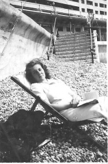 Mum 1941 2 at 200.jpeg