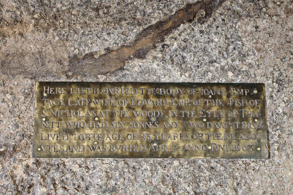 St N at Wade Joane Emptage wife of Edward b 5th April 1608