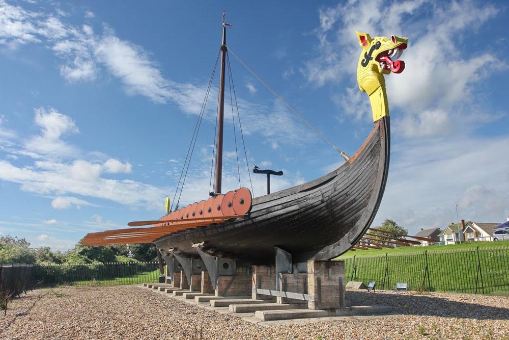 02 Viking Ship