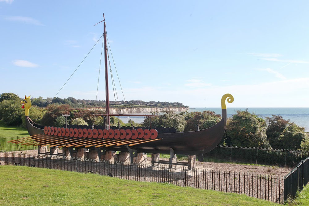 04 Viking Ship